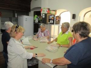 DISPENSACIÓ DE FRESCOS 2014.voluntariat